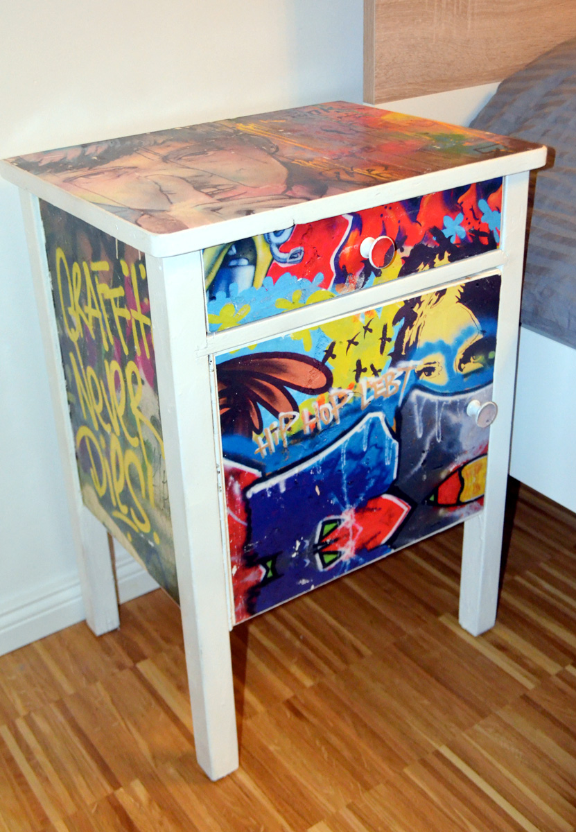 diy design nachttisch mit graffiti streetart motiven rebecca haupt rebsdesign. Black Bedroom Furniture Sets. Home Design Ideas
